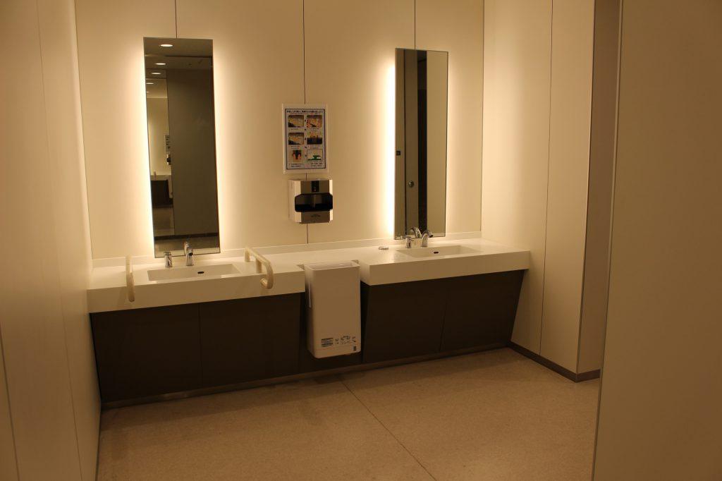 豊洲市場のトイレはキレイでうれしい