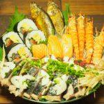 高知県の郷土料理『皿鉢料理(さわちりょうり)』がスゴイ!カツオの刺身やサバの姿寿司などを豪快に盛り付ける宴会料理!